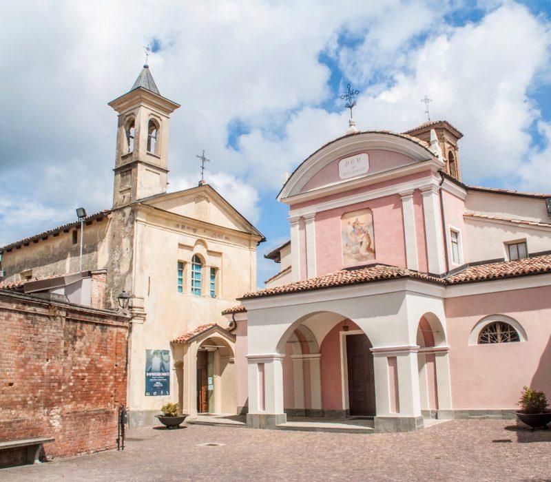 Place du village dans le Barolo