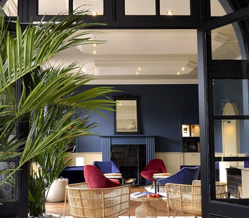 salon_bleu_hotel_bretagne